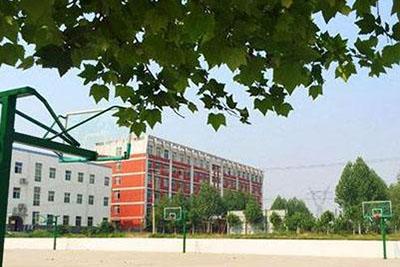 广安市中等卫生职业技术学校-校园一角