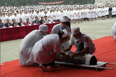 四川大学附设华西卫生学校-学生实践操作